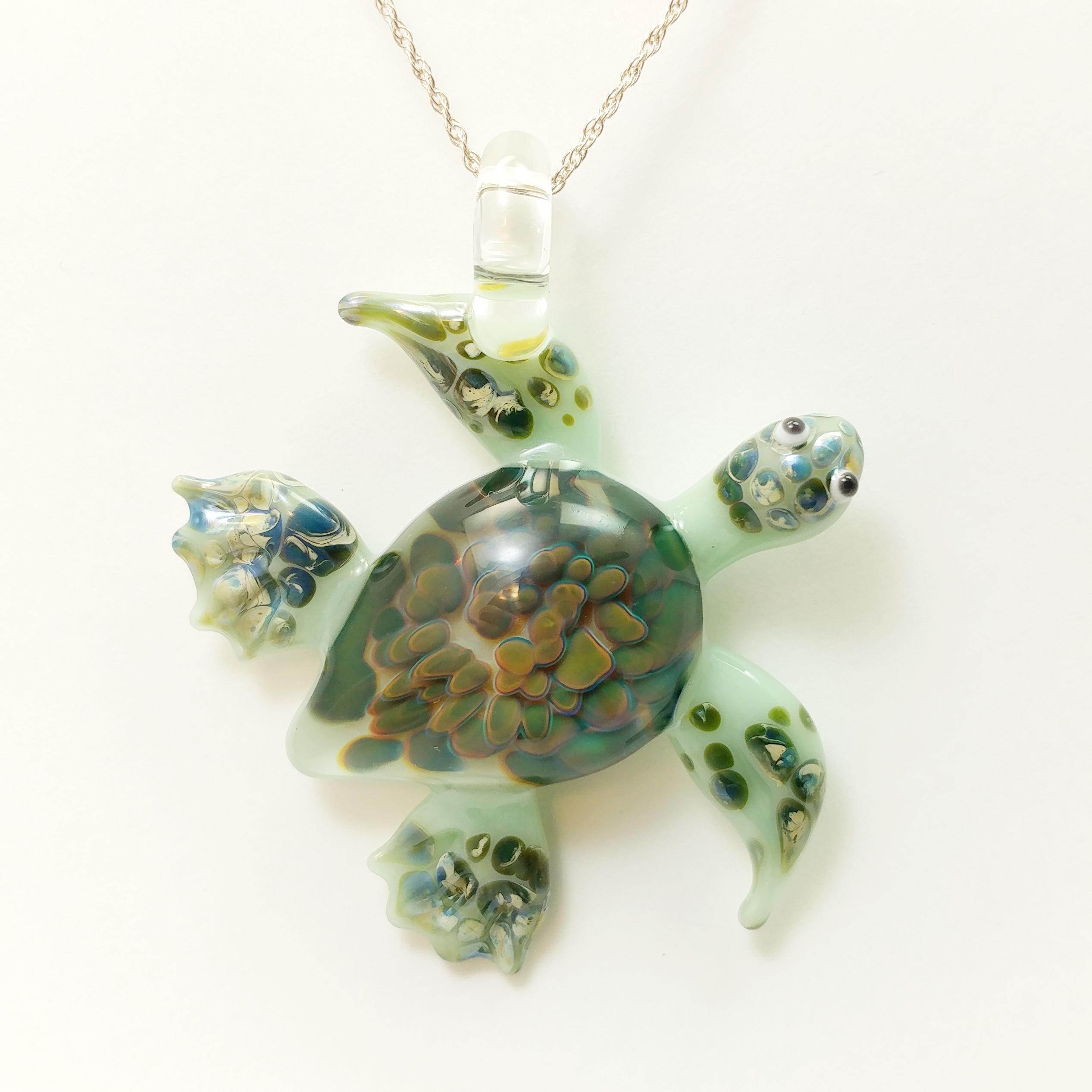 Green frit sea turtle